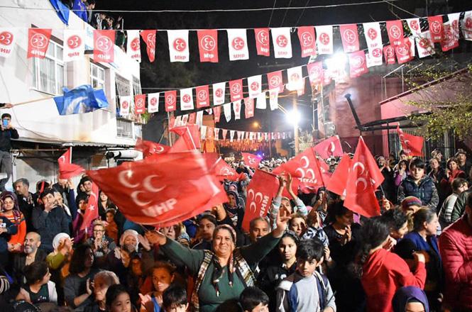 Çağlayan ve Bağlar Tarsus Belediye Başkanı Şevket Can'ı Bağrına Bastı