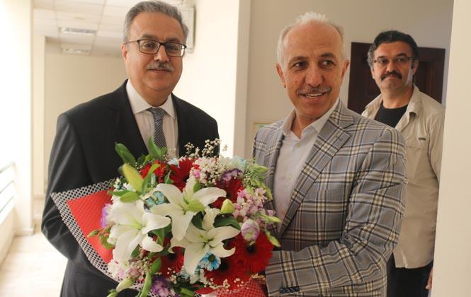 Mersin Valisi Su, Akdeniz Belediye Başkanı Gültak'ı Ziyaret Etti