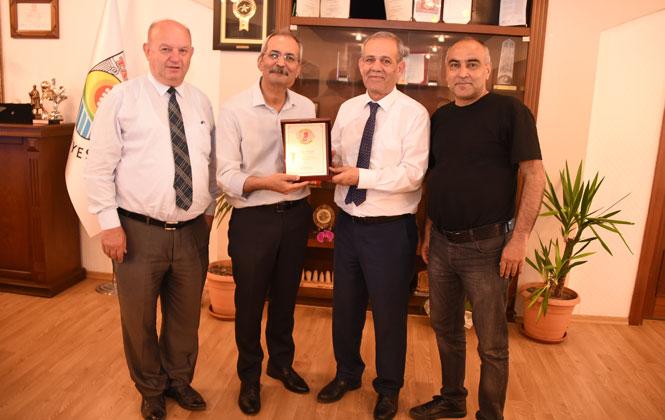 Türkiye Gazeteciler Federasyonu Genel Başkanı Yılmaz Karaca'dan Başkan Bozdoğan'a Ziyaret