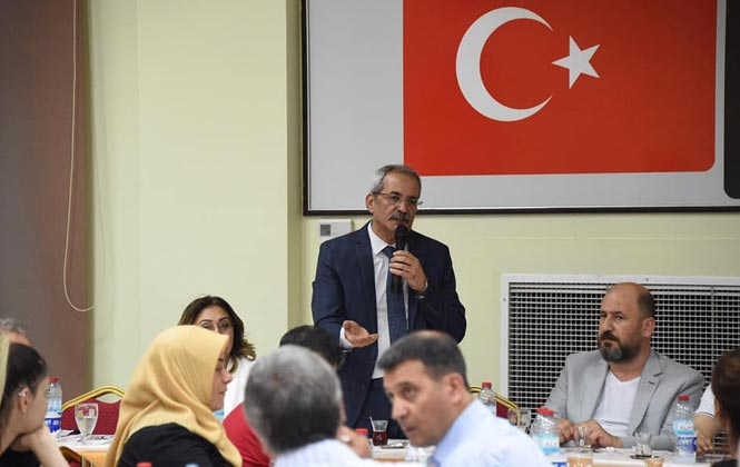 Tarsus Belediye Başkanı Dr. Haluk Bozdoğan, İftar'da Basınla Bir Araya Geldi