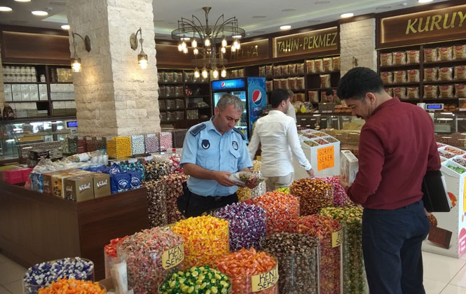 Mersin Tarsus'ta Bayram Öncesi Şeker ve Tatlı Denetimi