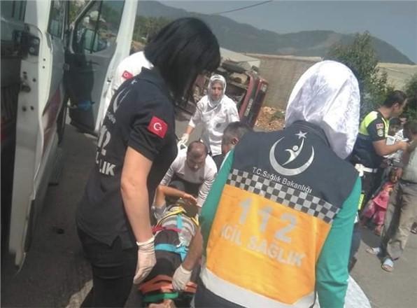 Mersin'in Bozyazı İlçesinde Meydana Gelen Trafik Kazasında 8 Kişi Yaralandı