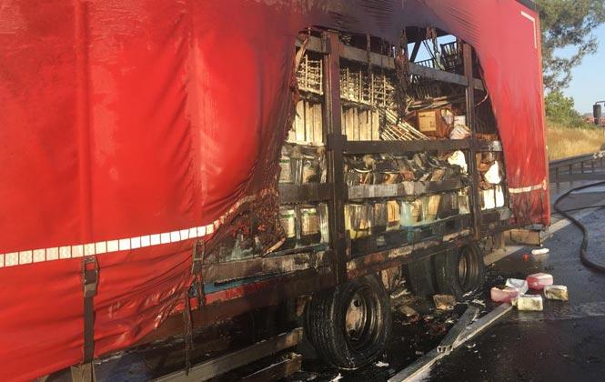 Mersin Tarsus'ta Lastiği Patlayan, Yanan Lastik Nedeniyle Alev Aldı