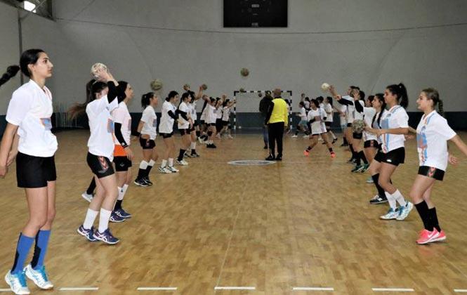 Spor Akademisi Herkesi Bekliyor! Mersin'de Geleceğin Yetenekleri, Spor Akademileri'nden Çıkıyor