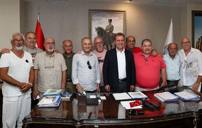 Mahmut Hoca'nın Haylaz Öğrencileri Mersin'de! Hababam Sınıfı'nın Yaşayan Efsanelerinden, Başkan Seçer'e Ziyaret!