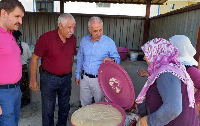 Akdeniz'de Tandırda Pişen İlk Ekmek Başkan Gültak'a İkram Edildi