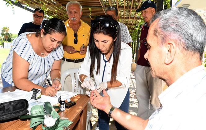 Emeklilerin Sağlığı Büyükşehir'e Emanet, Mersin'de Emekli Evi Üyelerine Sağlık Taraması