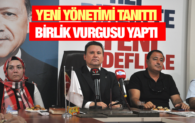 Ak Parti Tarsus İlçe Yönetimi Basına Tanıtıldı