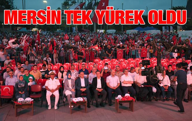 """Başkan Seçer: """"Bizi Demokrasi Kurtaracak"""""""