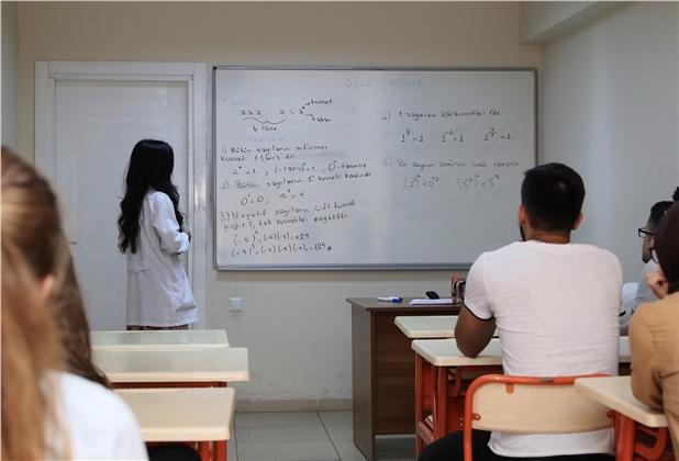 Mersin'de Başarılı Öğrenciler Üniversiteye Ücretsiz Hazırlıyor, Eğitim ve Öğretimi Destekleme Kurs Başvuruları Başladı