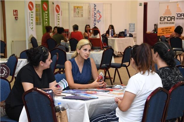 Üniversite Adayı Gençler Tercih Danışmanlığına Akın Etti
