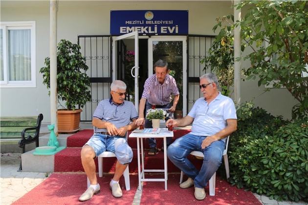 Emekliler Mezitli'de Olmaktan Mutlu