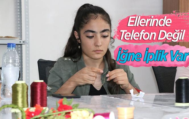 Mersin'de Genç Kızlar İğne Oyası Öğreniyor