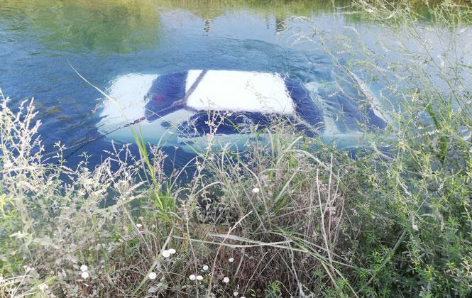 Mersin'de Hırsızlar, Evin Önünden Çaldıkları Aracın Akülerini Söküp Sulama Kanalına Attı