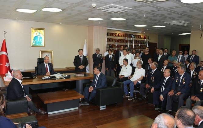 KKTC (Kuzey Kıbrıs Türk Cumhuriyeti) Başbakanı Ersin Tatar, Erdemli Belediye Başkanı Mükerrem Tollu'yu ve Vatandaşları Ziyaret Etti
