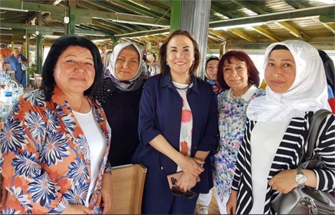 Yanan Ormanlar İçin AK Partili Kadınlar Kolları Sıvadı