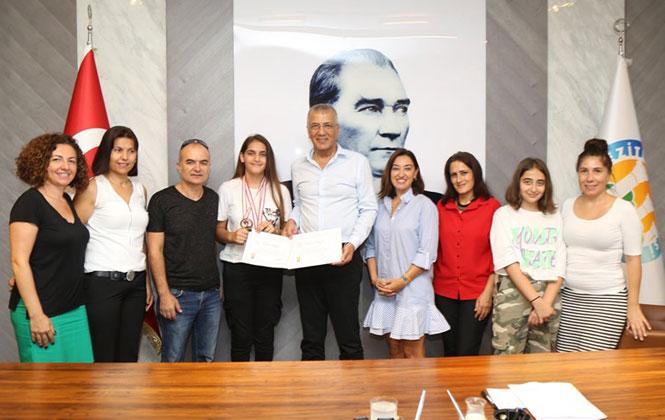 Şampiyon Sporculardan Başkan Tarhan'a Ziyaret