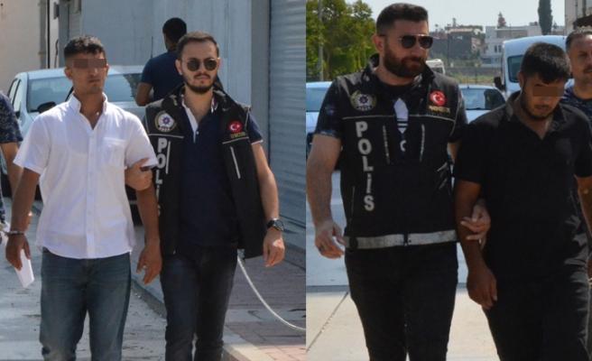 Adana Bir kişi Polisi görünce uyuşturucuyu karısının sütyenine sakladı