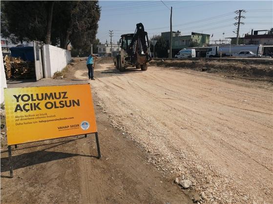 Büyükşehir Belediyesi, Tarsus'ta Yol Yapım ve Bakım Çalışmalarına Aralıksız Devam Ediyor