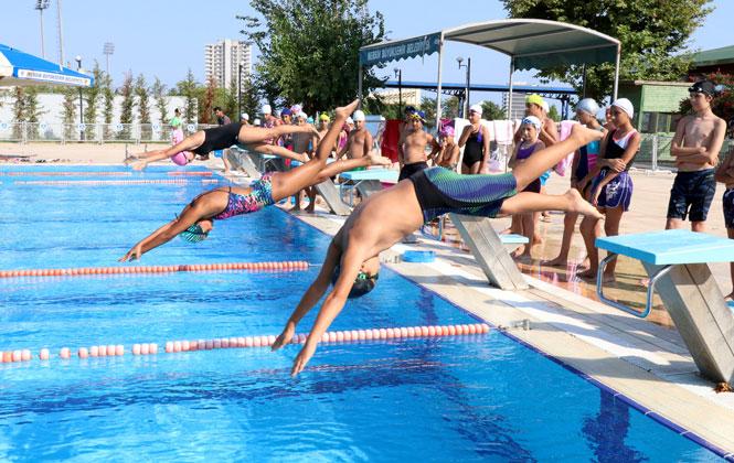 3 Bin 76 Kişi Mersin Büyükşehir'den Yüzme Eğitimi Aldı, Geleceğin Yüzücüleri Yetişiyor