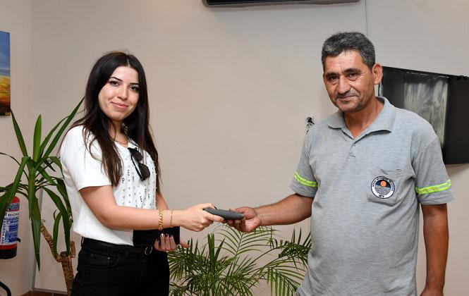 Mersin Büyükşehir Belediyesi Personeli Erdal Duru'dan Örnek Davranış