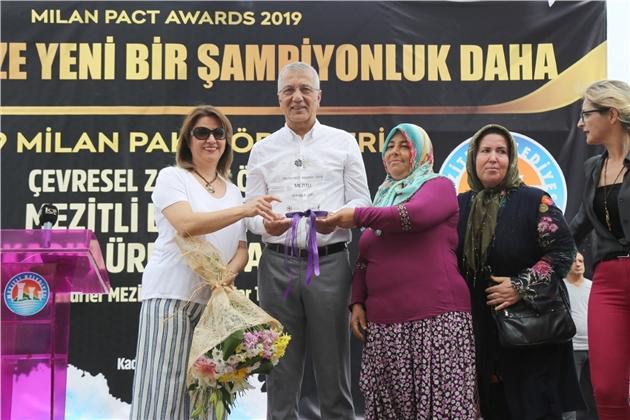 Mezitli'de Şampiyonluğa Coşkulu Kutlama