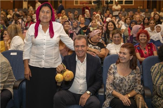Büyükşehir'den Dünya Kadın Çiftçiler Günü'nde Anlamlı Kutlama