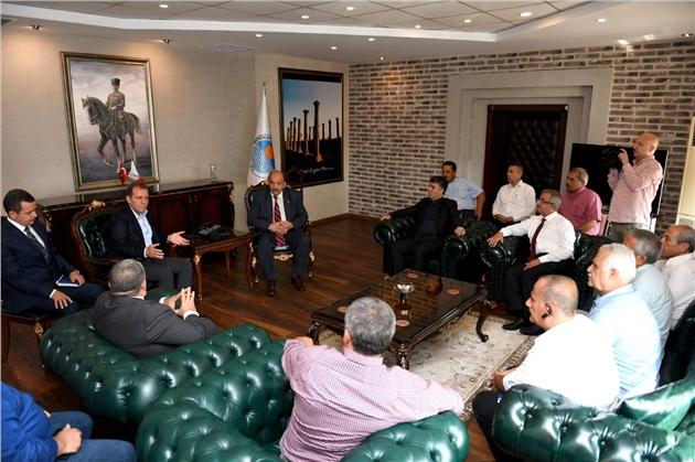 Başkan Seçer, Muhtarlar Dernek Başkanları İle Bir Araya Geldi