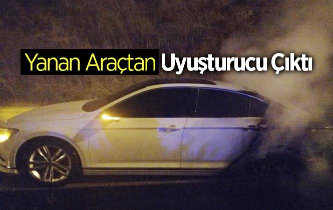 Mersin Tarsus'ta Seyir Halindeki Araç Yandı; İçerisinde Esrar Bulundu