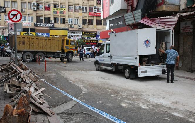 Çöken Binada Güvenlik Önlemi Alındı, Yola Düşen Enkaz ve Moloz Kaldırıldı