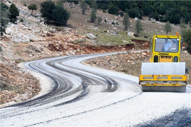 Mersin'de 7 İlçede 26 Bin 900 Metre Asfalt Çalışması Yapıldı