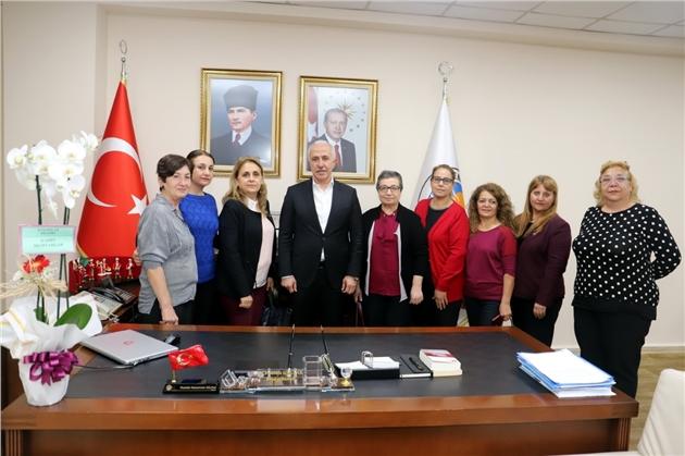 Mersin'in Kadın Muhtarları, Başkan Gültak'ı Ziyaret Etti