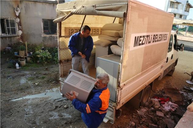 Mezitli'de Hayırseverlik Köprüsü Büyüyor
