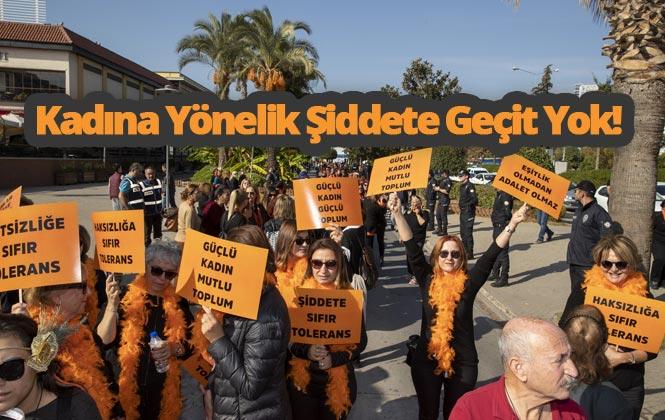 """Mersin'de Yüzlerce Kadın, Kadına Şiddete Karşı """"Sıfır Tolerans"""" Çatısı Altında Yürüdü"""