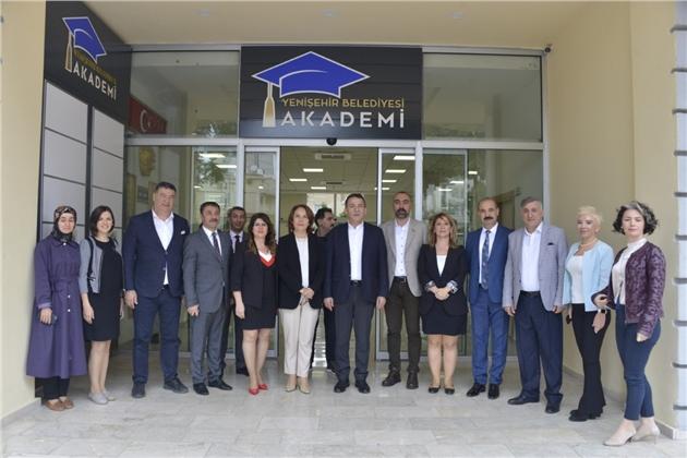 """""""Erken Çocukluk Dönemi Eğitimi"""" Projesini Hazırlayan Akademisyenler Yenişehir'de"""