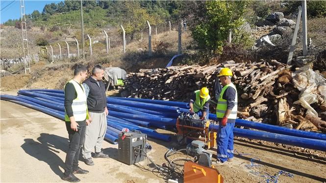 Büyükşehir, Çamlıyayla'da Sorun Oluşturan İçme Suyu Hattını Yeniledi
