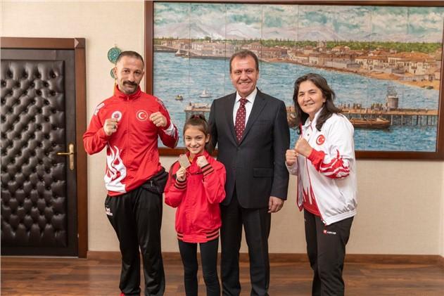 Muaythai Avrupa Kupası 2'ncisi Sezgi Uçar Başkan Seçer'i Ziyaret Etti