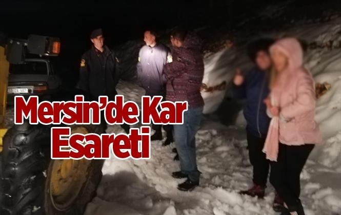 Mersin'de 12 Araç Karda Mahsur Kaldı