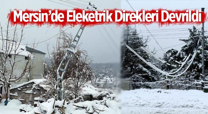 Mersin Erdemli'de Yüksek Kesimlerinde Fırtına Nedeniyle Direkler Devrildi