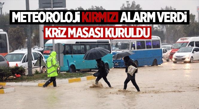 """Mersin Büyükşehir, Meteoroloji'nin """"Kırmızı Kod""""lu Uyarısı Üzerine Önlemini Aldı"""