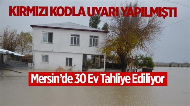 Mersin Erdemli'de 30 Ev Valilik Talimatıyla Tahliye Ediliyor