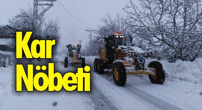 Kar Nöbeti Tutan Ekipler, Mersinli Vatandaşları Kar Esaretinden Kurtarıyor