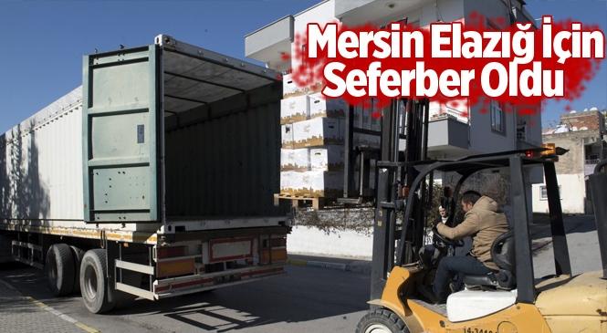 Mersin Büyükşehir, Deprem Bölgesine Yiyecek ve Giyecek Gönderdi