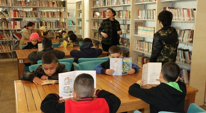 TEGV Öğrencileri Büyükşehir Kütüphanesi İle Tanıştı