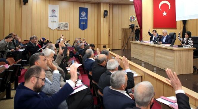 """Akdeniz Belediye Başkanı Mustafa Gültak; """"Yakaladığımız Sinerjiyi Kaybetmeyelim"""""""