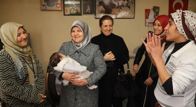 Akdeniz'de Maddi Zorluklar Yaşayan Anneler Ziyaret Edildi, Talepleri Yerine Getirildi