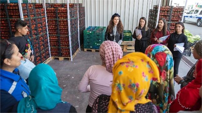 Emekçi Kadınlara, Hal İçinde Açılacak Kreşin Duyurusu Yapılıyor