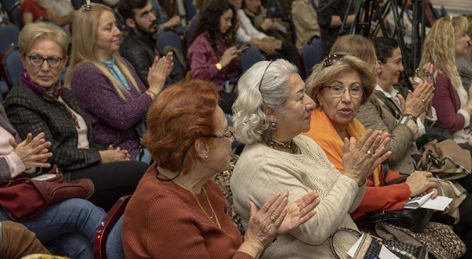 Toplumsal Cinsiyet Eşitliği İçin: Cinsiyetsiz Dil