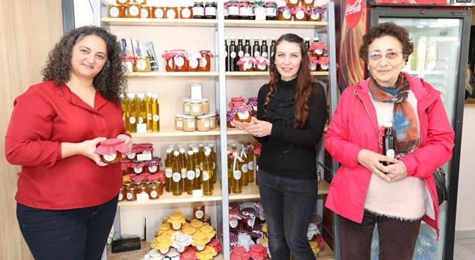 Mersin Mezitli'de Özgür Kafe, Üretici Kadınların Buluşma Mekanı Oldu