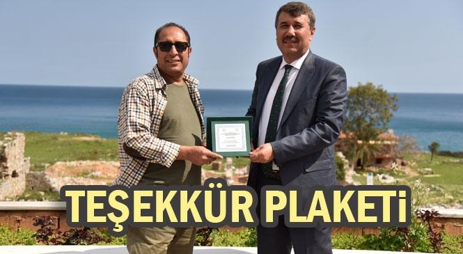 Başkan Kılınç'a Teşekkür Plaketi
